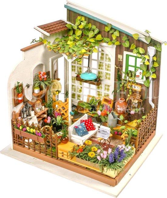 Afbeelding van Robotime - DIY Dollhouse Kit-Millers Garden - Houten Bouwpakket speelgoed