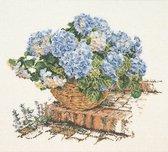 Thea Gouverneur - Borduurpakket met telpatroon - 2046 - Voorgesorteerde DMC Garens - Blauwe Hortensia - Linnen - 44 cm x 39 cm - DIY Kit
