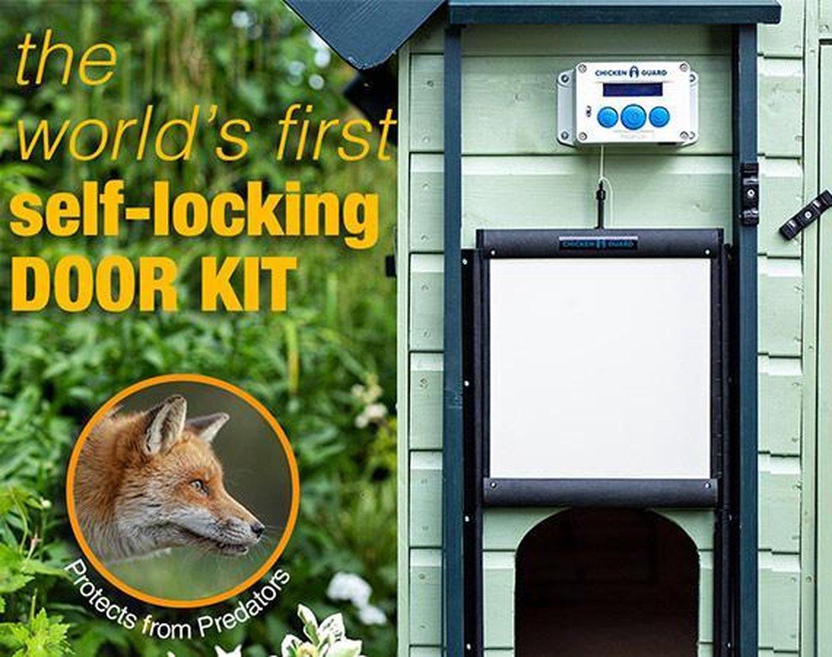 Chickenguard Premium - op batterijen en zelfsluitende deur