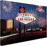 Las Vegas welkomsbord met vuurwerk Canvas 80x60 cm - Foto print op Canvas schilderij (Wanddecoratie woonkamer / slaapkamer) / Steden Canvas Schilderijen