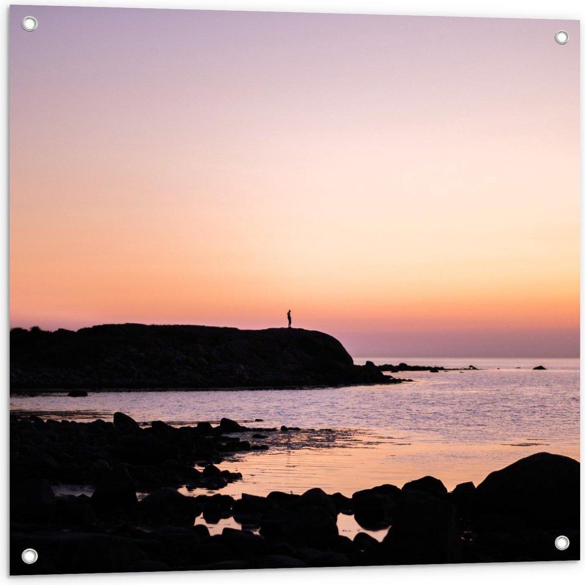Tuinposter   Rotsen op het Strand met Zonsondergang - 80x80cm Foto op Tuinposter  (wanddecoratie voor buiten en binnen)