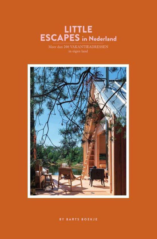 Boek cover Little Escapes in Nederland van Maartje Diepstraten (Paperback)