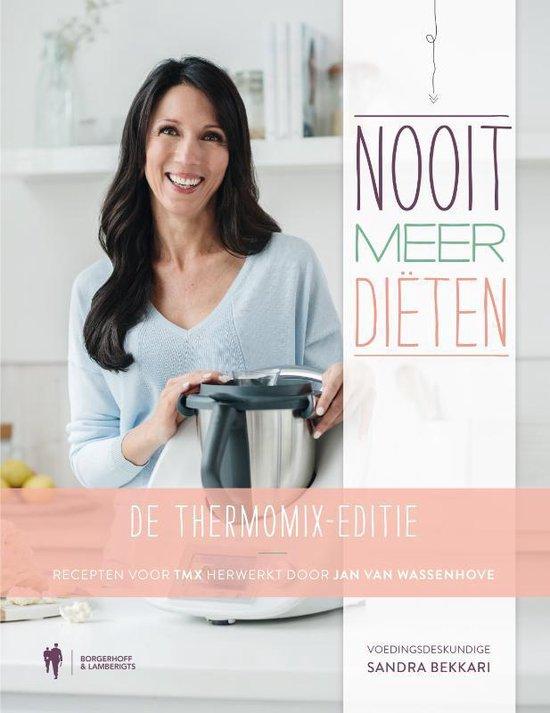 Boek cover Nooit meer diëten - de Thermomix-editie van Sandra Bekkari (Hardcover)