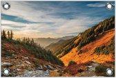 Tuinposter –Bergen met Bomen en Zon – 150x100 Foto op Tuinposter (wanddecoratie voor buiten en binnen)