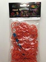 2 zakjes van 300 Oranje loom stiekjes, dus 600 elastiekjes