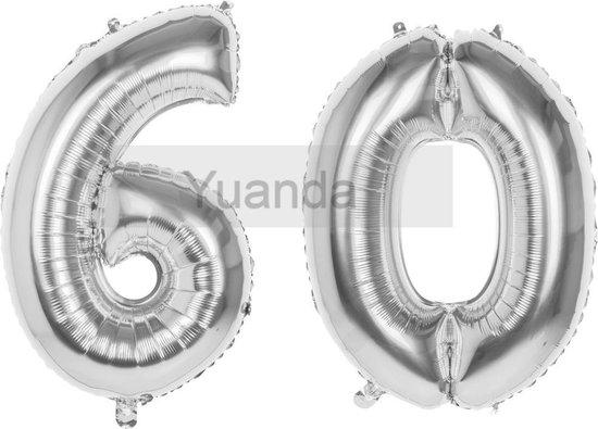 60 Jaar Folie Ballonnen Zilver- Happy Birthday - Foil Balloon - Versiering - Verjaardag - Man / Vrouw - Feest - Inclusief Opblaas Stokje & Clip - XXL - 115 cm