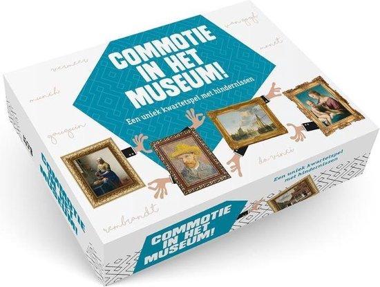 Commotie in het museum - none |