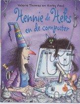 Hennie de Heks  -   Hennie de Heks en de computer