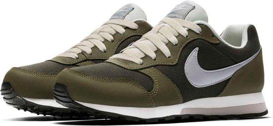 bol.com | Nike MD Runner 2 Sneakers - Groen/Wit - Maat 37.5