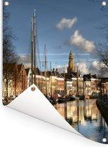 De grachten van de Nederlandse stad Groningen Tuinposter 60x80 cm - Tuindoek / Buitencanvas / Schilderijen voor buiten (tuin decoratie)