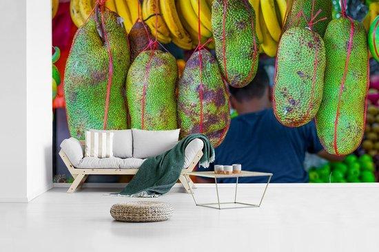Vrolijk gekleurd jackfruit in Maleisië op een markt fotobehang vinyl breedte 410 cm x hoogte 230 cm - Foto print op behang (in 7 formaten beschikbaar)