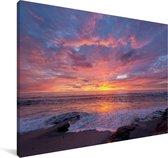 Een kleurrijke zonsondergang bij de zee Canvas 180x120 cm - Foto print op Canvas schilderij (Wanddecoratie woonkamer / slaapkamer) XXL / Groot formaat!