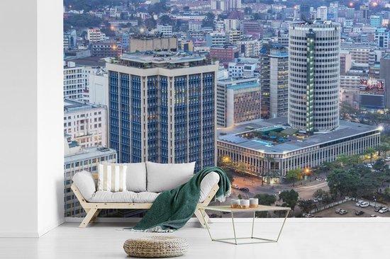 Fotobehang vinyl - Luchtfoto van Nairobi in het Afrikaanse Kenia breedte 540 cm x hoogte 360 cm - Foto print op behang (in 7 formaten beschikbaar)
