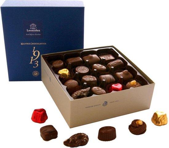 Chocoladecadeau | Leonidas Bonbons | Giftbox Blauw Met 32 Bonbons