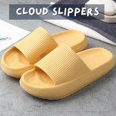 Livin' Ultra Zachte Cloud Slippers voor Dames en Heren - Badslippers Maat 38 - Unisex Jongens en Meisjes - Anti-Slip en Stevig Voetbed - Geel