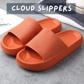 Livin' Ultra Zachte Cloud Slippers voor Dames en Heren - Badslippers Maat 38 - Unisex Jongens en Meisjes - Anti-Slip en Stevig Voetbed - Oranje