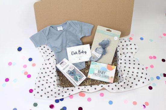 Happy baby Box | babydoos, baby cadeau, zwangerschap cadeau, kraampakket, kraamcadeau, babypakket, bevalling, kraam cadeau meisje