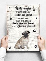 Wandbord hond: Mopshond - 30 x 42 cm