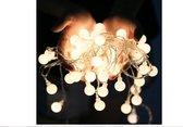 LED Slinger Lichtjes - 5 Meter - 50 Kleine Lampjes - Warm wit - Incl. 2x AA-Batterijen