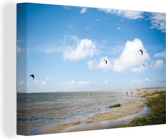 Bol Com Canvas Schilderij Terschelling Mensen Die Aan Het Kitesurfen Zijn Op Terschelling