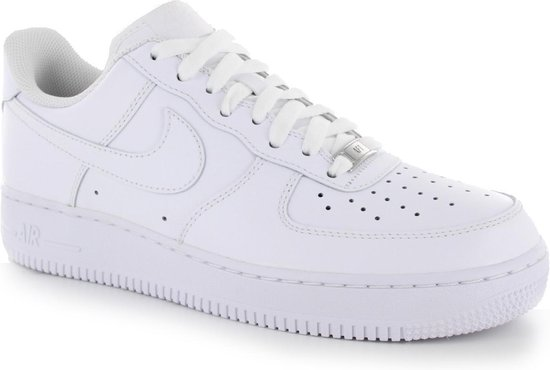 bol.com | Nike - Wmns Air Force 1 07 - Dames - maat 42