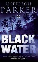 Omslag Black Water