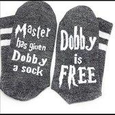 Harry Potter sokken met tekst - Dobby is Free - Grijs met witte band