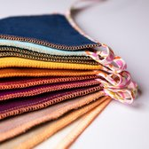 L.A.P. Atelier handgemaakte vlaggenlijn van stof incl. opbergzakje - rainbow velvet - 300 cm