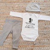 Set met baby romper tekst voor meisje of jongen cadeau mama eerste moederdag je doet het geweldig grijs 62-68