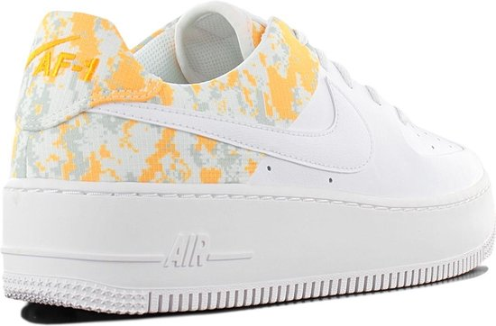 bol.com | Nike Air Force 1 Sage Lo Premium CI2673-100 Dames ...