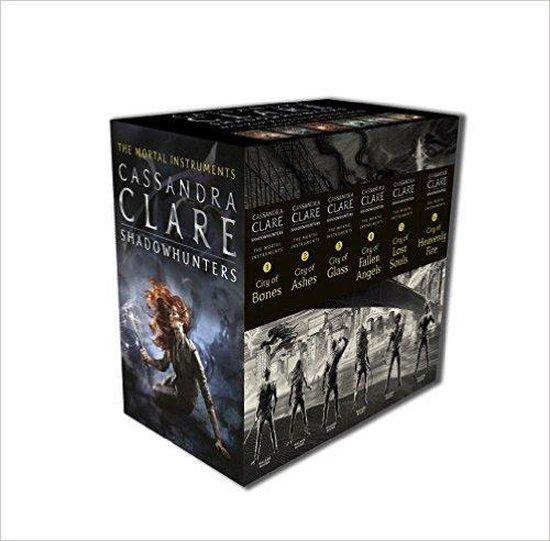 Boek cover The Mortal Instuments 1-6 - City of Heavenly Fire van Cassandra Clare (Onbekend)