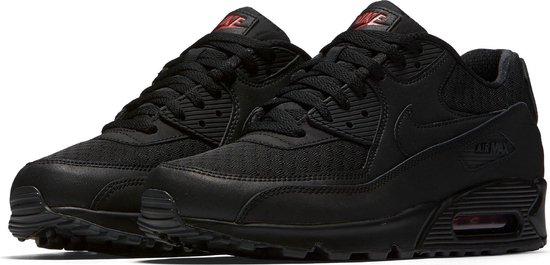 bol.com | Nike Air Max 90 Essential Sneakers - Maat 46 ...
