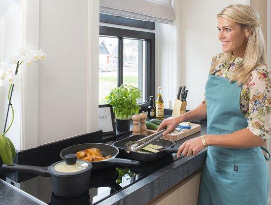 Sola -  Fair Cooking  Zwart/wit greblon anti aanbaklaag