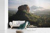 Zonsondergang achter de Sigiriya in Sri Lanka fotobehang vinyl breedte 390 cm x hoogte 260 cm - Foto print op behang (in 7 formaten beschikbaar)