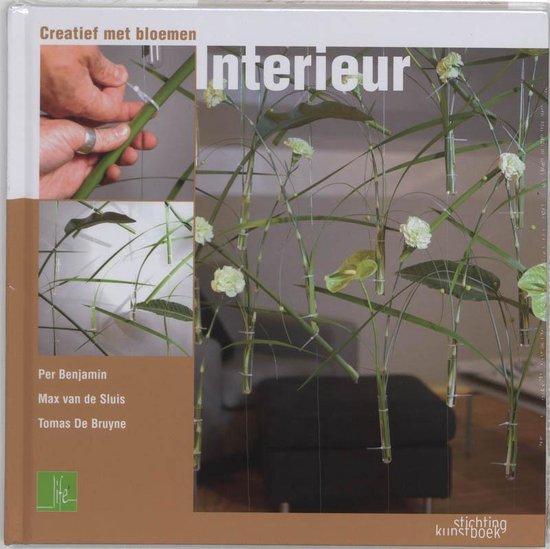 Creativity with flowers interieur - P. Benjamin |