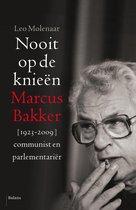 Boek cover Nooit op de knieën van Leo Molenaar