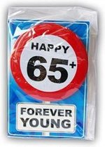 Happy Birthday kaart met button 65 jaar