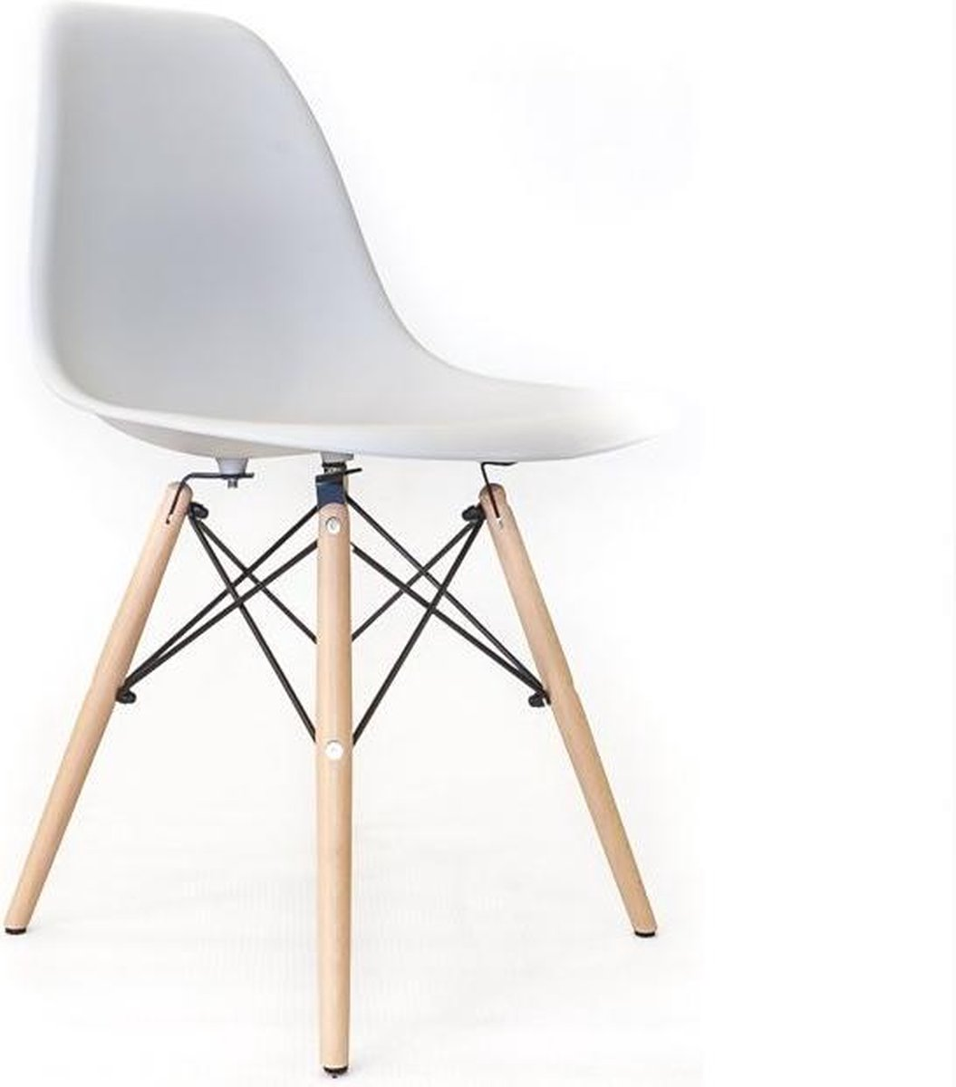 Charles Eames,eetkamerstoel DD DAW PP licht choco