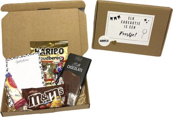 Brievenbuspakket snoep 3 - Brievenbus cadeau - Cadeau voor mannen - Valentijn - Borrelpakket - Chocolade -Snoep - Vrouwen cadeau - Geschenkset vrouwen - Cadeaupakket - Goedkope cadeautjes - Eten - Vader - Moeder - Cadeau voor vrouw - verjaardag