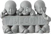 Beeld welcome monnik kindjes horen zien zwijgen