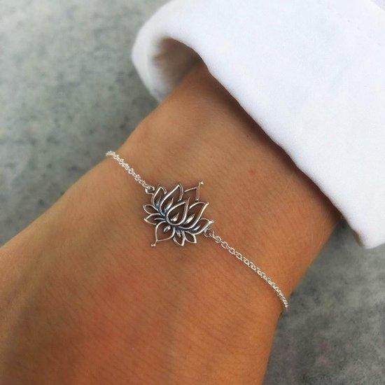 My Unique Style Giftbox white lotus armband - 925 zilver