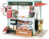 Robotime modelbouwpakket Ice Cream Station hout/papier/kunststof - 210mm hoog x 150mm breed x 135mm diep - met lampje