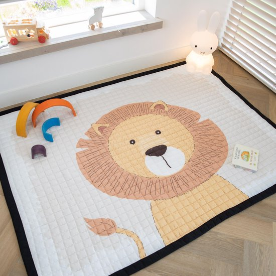 Love by Lily - groot speelkleed - Mr. Chairman Lion - 200x150cm