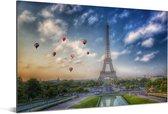 De Eiffeltoren met op de achtergrond luchtballonnen die in de lucht varen boven Parijs Aluminium 90x60 cm - Foto print op Aluminium (metaal wanddecoratie)