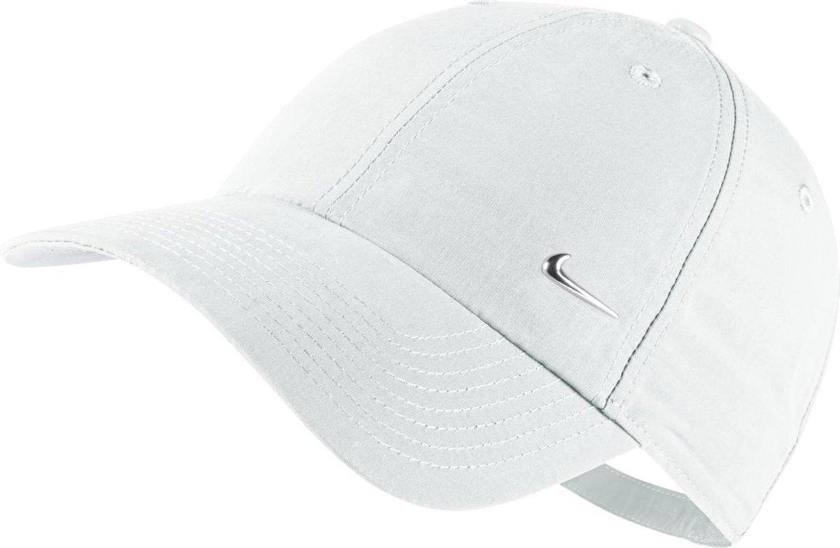 Nike Swoosh Logo  - Cap - Unisex - Maat One size - Wit