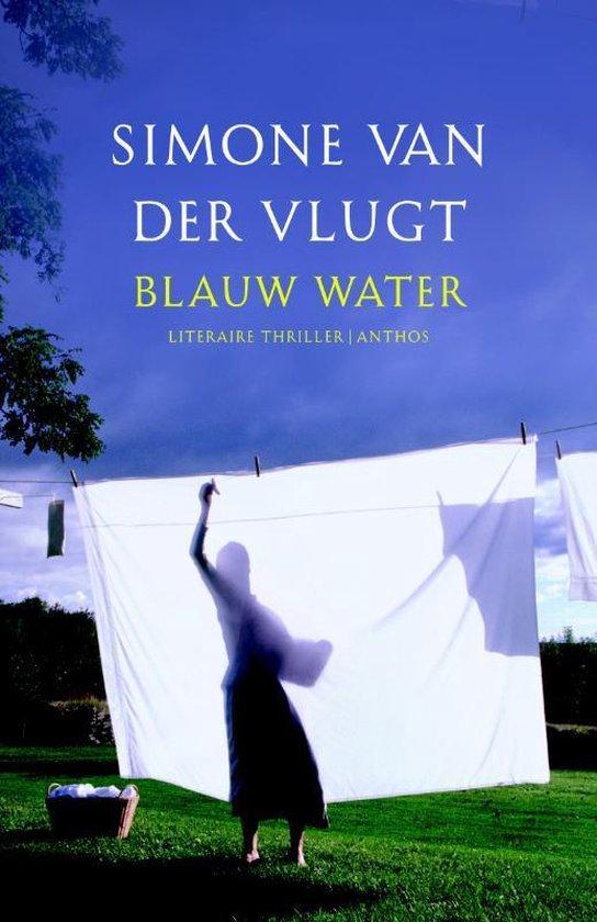 Blauw water - Simone van der Vlugt |