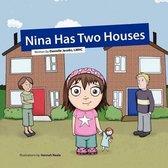 Omslag Nina Has Two Houses