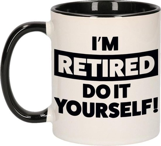Pensioen kado mok / beker zwart - Im retired do it yourself - 300 ml - VUT