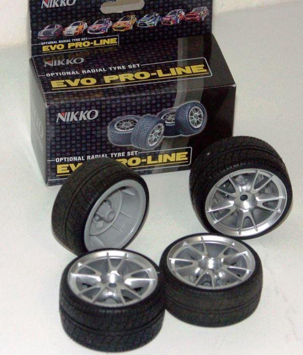 Nikko Evo Pro Line tyre-set