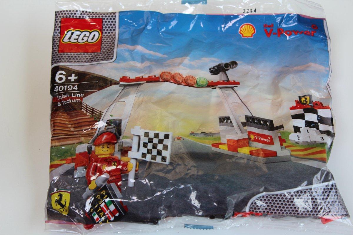LEGO Finish Line & Podium (40194) - LEGO